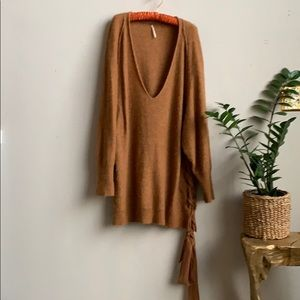 🦋 Free People Oversized Deep V Sweater